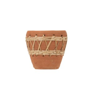 WOVEN DIAMOND TERRACOTTA POT