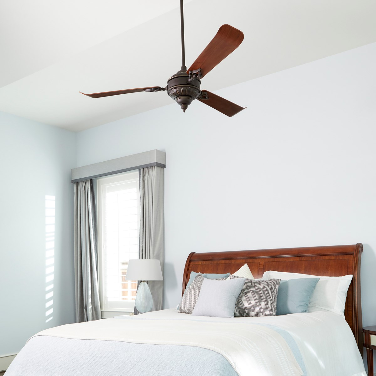 Brewster 60-in 3 Blade Oiled Bronze Traditional Ceiling Fan