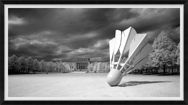 Shuttlecocks Sculptures, Kansas City