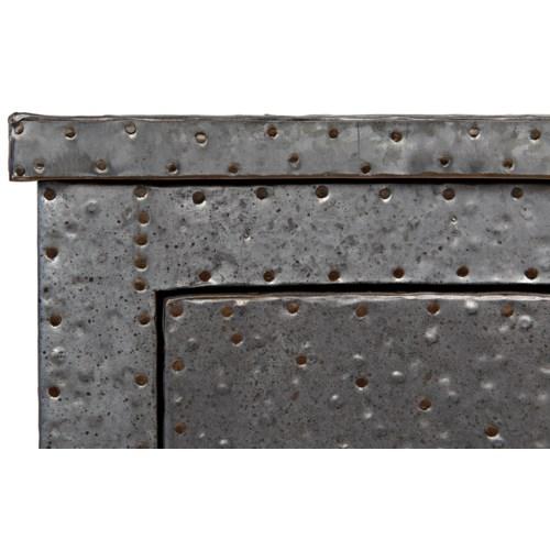 149 Metal Chest, Zinc