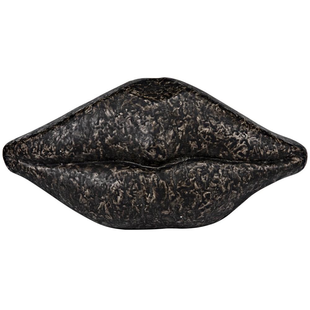 Lips, Black Fiber Cement
