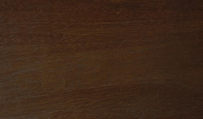 Hand Rubbed Brown finish (HBR)