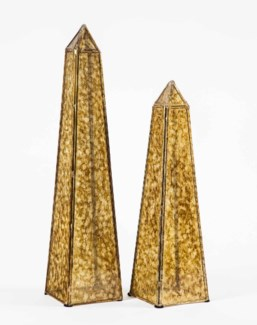 Large Obelisk in Glimmer Finish