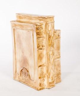 Book Sculpture in Antiquity