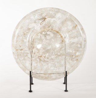 Glass Charger w/ Stand in Oyster Shell