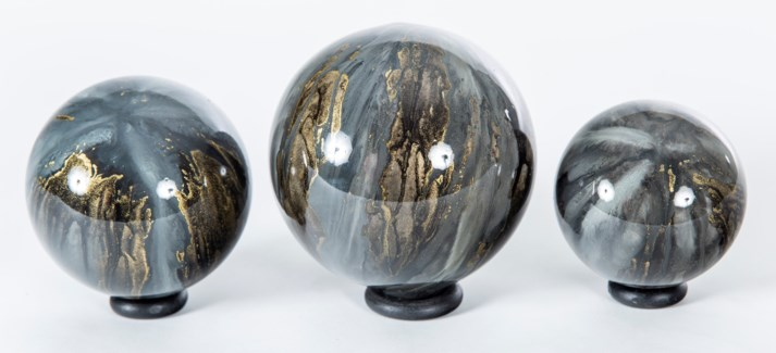 Set of 3 Glass Balls on Iron Ring Stands in Cathedral Stone Finish