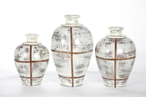 Large Vase in Cotton Bale Finish
