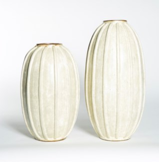 Large Ribbed Vase in Parchment