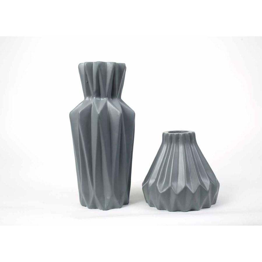 Star Vases Set of 2 in Matte Gray