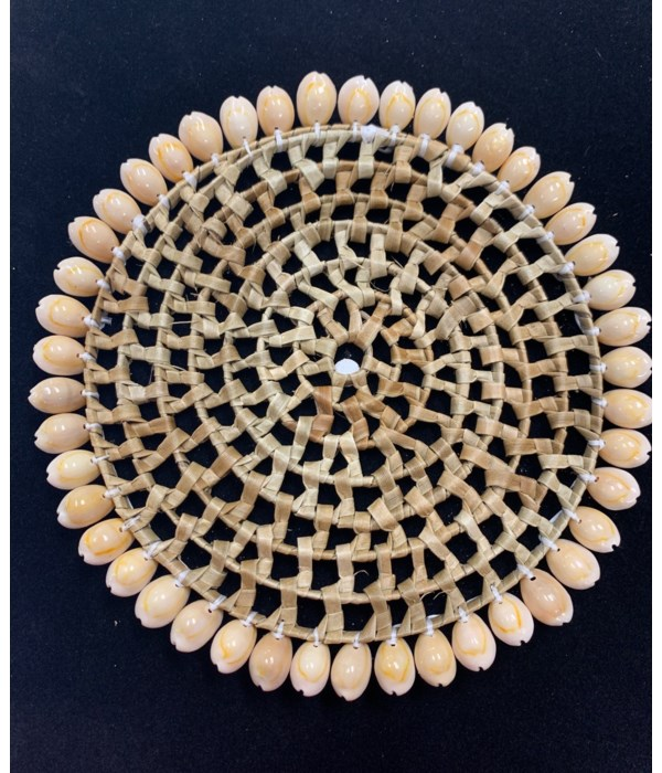 """8"""" COWRIE EDGE PLACEMAT"""