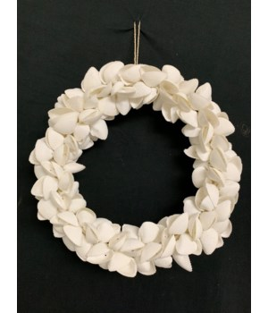 WREATH WHITE SHELLS