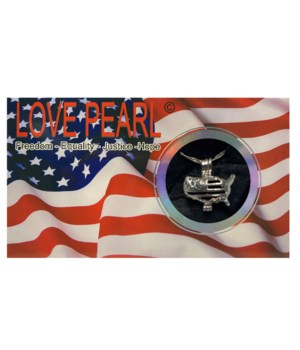 USA LOVE PEARL NECKLACE