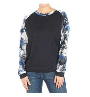 Coco + Carmen Addie Sweatshirt Black and Blue Floral XXL