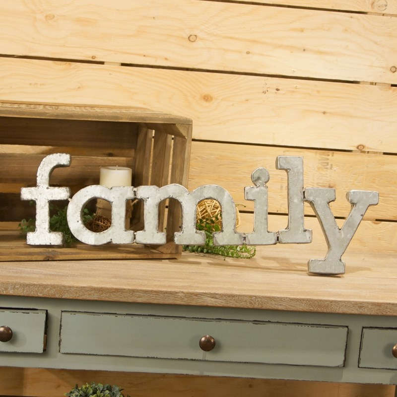 """ MTL. WALL WORDS """"FAMILY"""" """