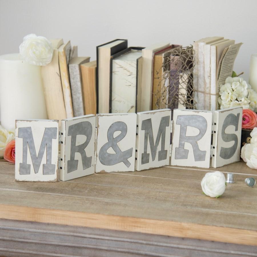 "WD. ""MR & MRS"" ACCORDIAN SIGN (4/cs)"