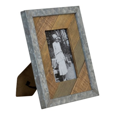 WD. TABLETOP PICTURE FRAME - VERT (12/cs)