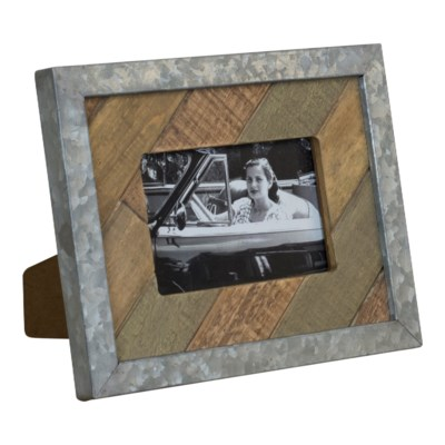 WD. TABLETOP PICTURE FRAME - HORIZ (12/cs)