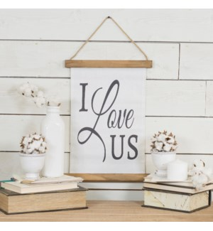 "|HANGING BANNER ""I LOVE US""