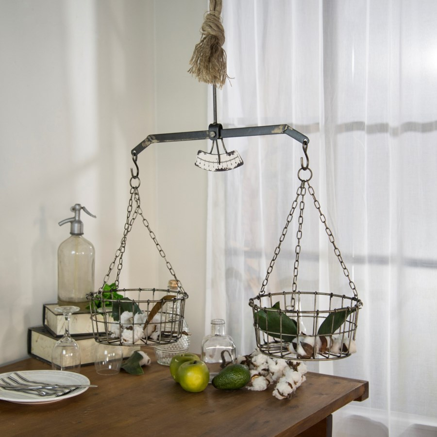 MTL. BALANCE SCALE DECOR