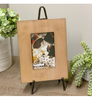 WD. PHOTO FRAME W/STAND