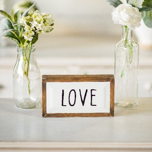 """WD. SIGN """"LOVE"""""""