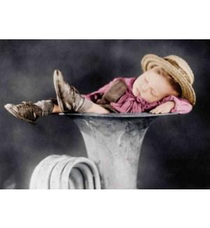 FR/Little boy in tuba