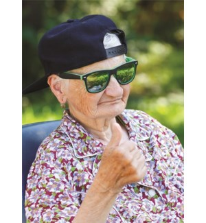 BD/Old lady with thumbs up