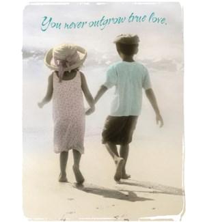 AN/Girl and boy on beach