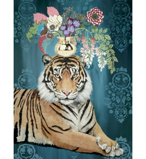 BL/Tiger with vase of flowers