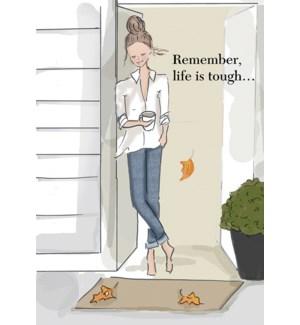 EN/Woman standing in doorway