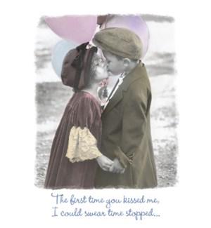 AN/Boy & girl kissing