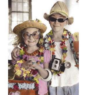 AN/Couple dressed as tourist