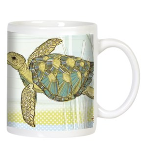 MUG/Turtle fish in ocean water